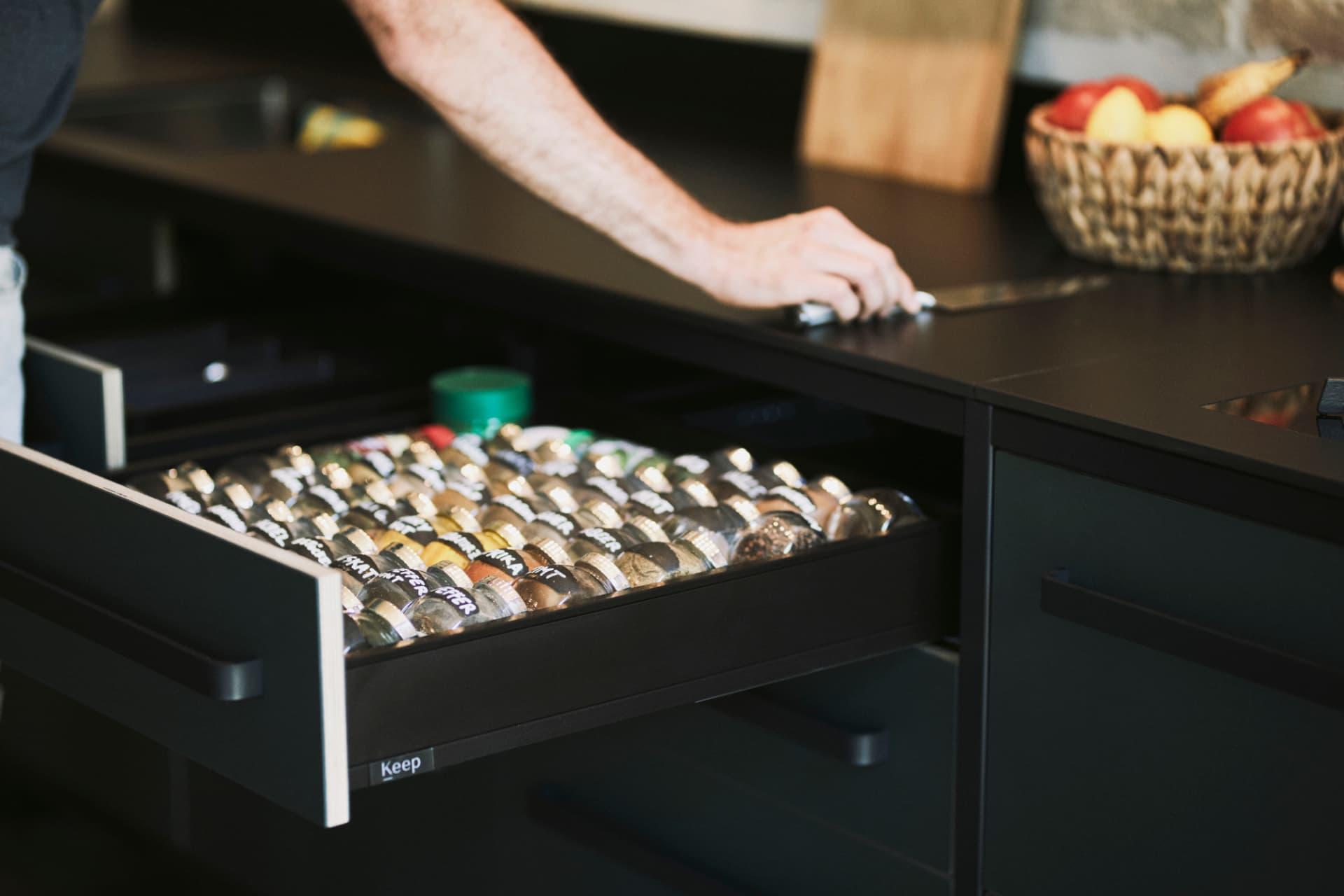 Gewürzlade-keep-Küche-Linoleum-Fronten