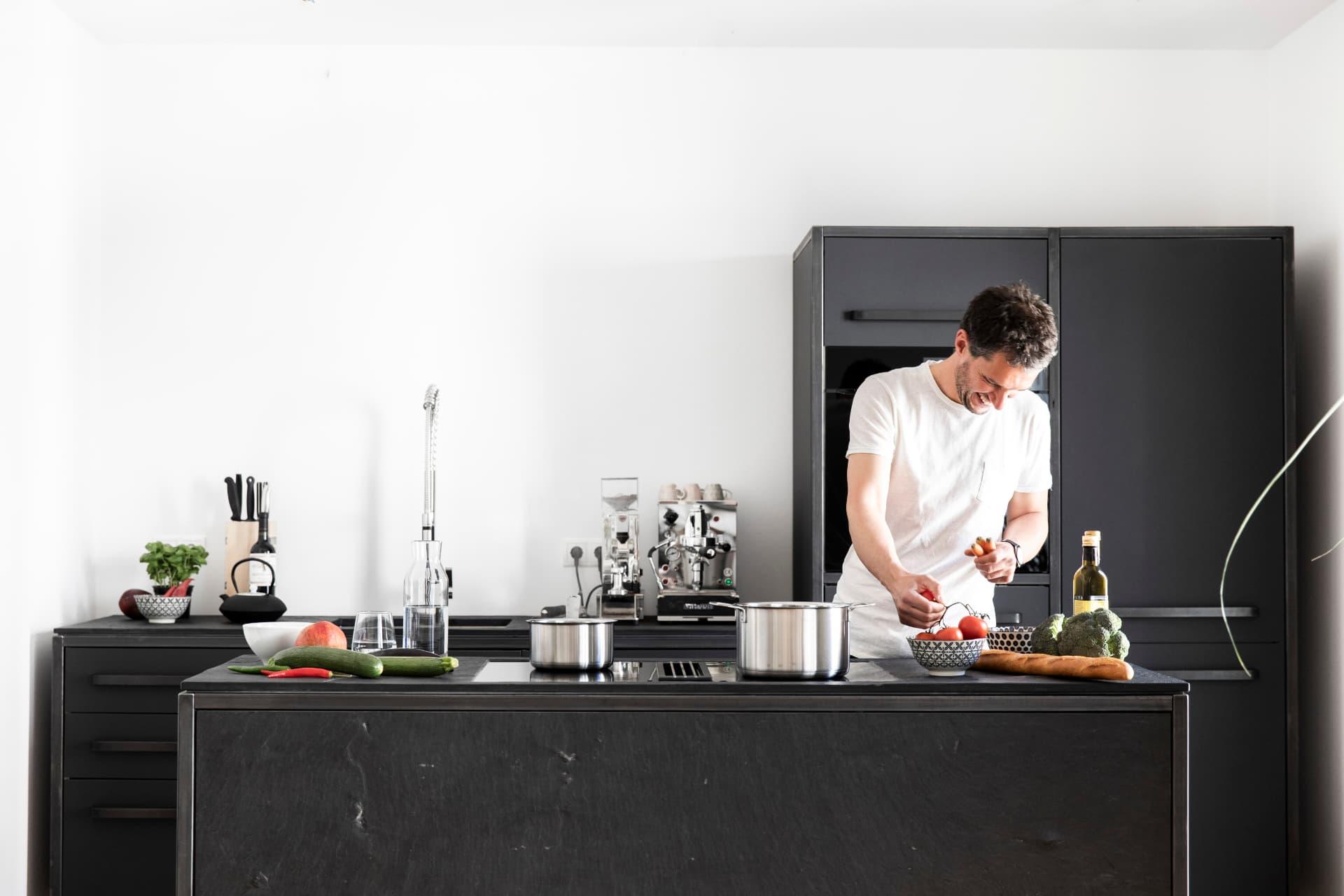 Vorbereitungen-zum-Kochen-keep-Küchen
